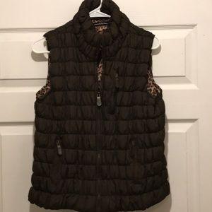 Essentials by Milano brown puffer vest  size XL